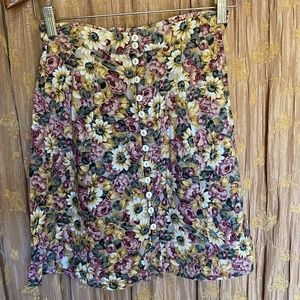 SO PRETTY EXPRESS FLORAL BUTTON UP SKIRT SZ S